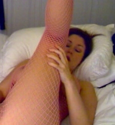 sweetkrissy cumming on cam zipset 5.jpg